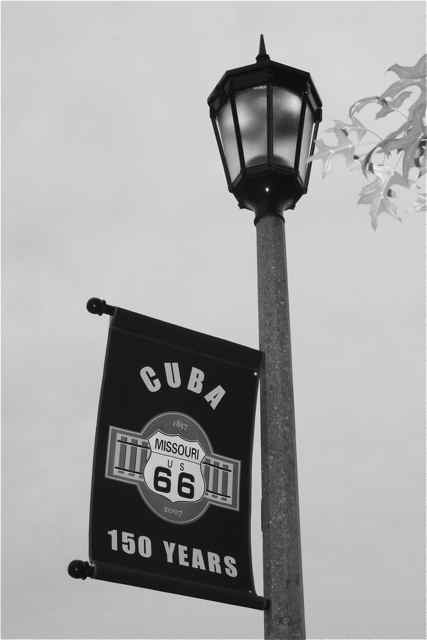 Cuba MO Banner and light