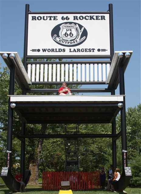 Tremendous Stories From The Worlds Largest Rocking Chair On Route 66 Frankydiablos Diy Chair Ideas Frankydiabloscom