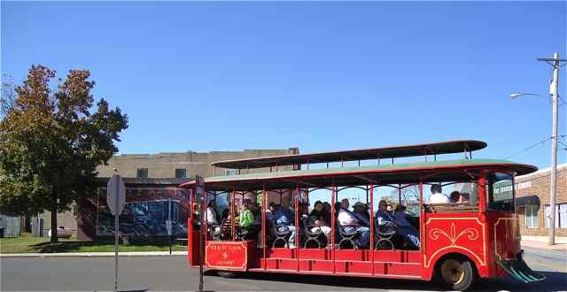 Mural Trolley Tour Cuba MO