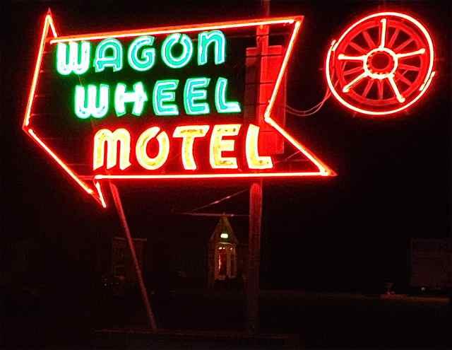 Wagon Wheel Motel neon sign Cuba Missouri