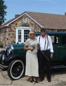 Bonnie and Clyde look-alikes Wagon Wheel Motel Cuba Missouri