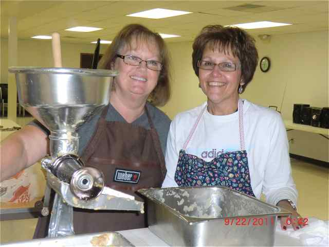 Jan and Marcia making apple butter