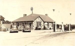 Wagon Wagon Wheel Cafe 1930s Cuba, Missouri