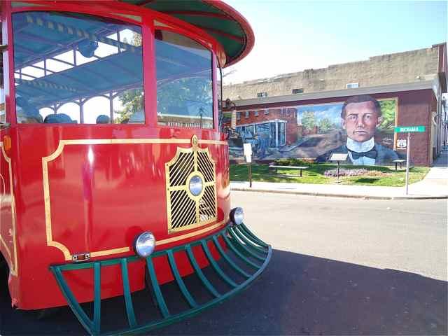 Cuba, MO Trolley Mural tours