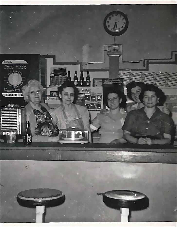 Midway Restaurant Staff Cuba, Missouri