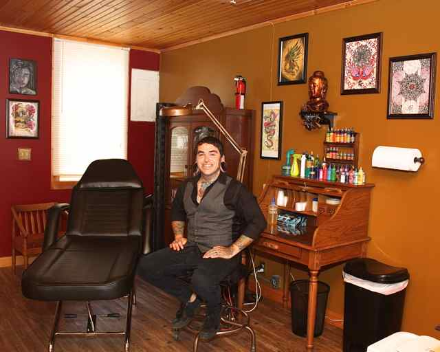 Tattoo artist Tony Corral joins historic district in Cuba, MO