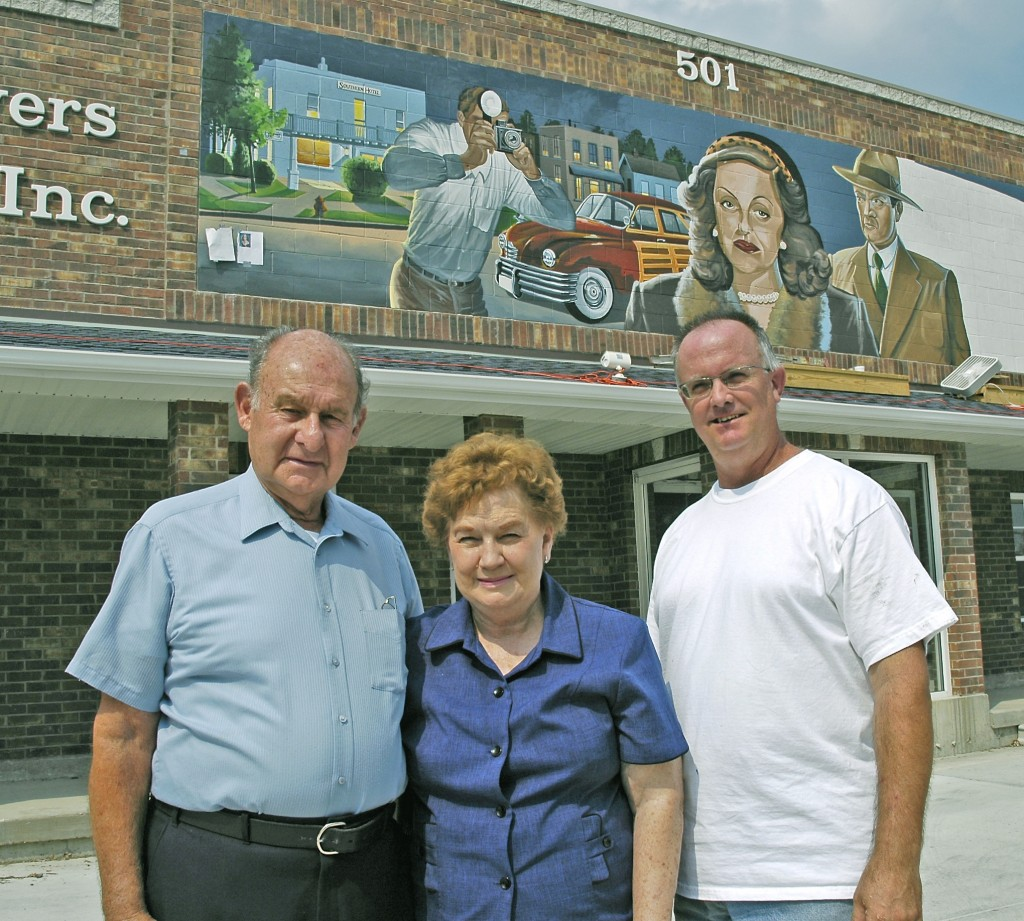 Wilbur Vaughn and his wife Imogene would often visit with artist Ray Harvey during the painting of the Bette Davis mural.